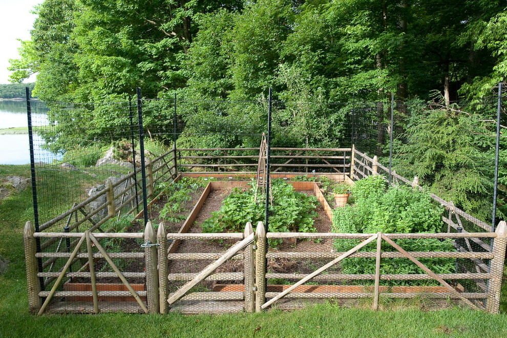 Hampton deer fence east end best fencing gates company in the hamptons - Deer proof vegetable garden ideas ...